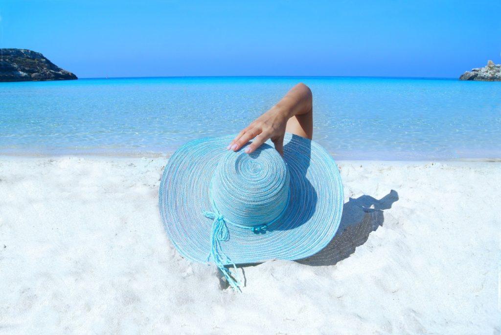 sea-fashion-beach-sand-33622